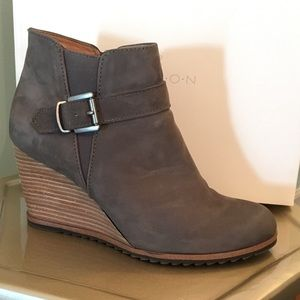 3ba49496fb9 Caslon Shoes - Grey leather Caslon wedge booties